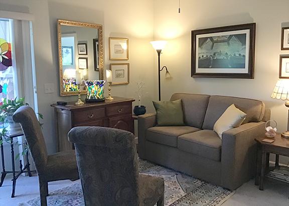 Pinnacle 12 58 rev web living room